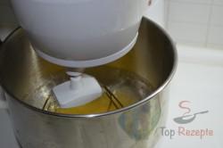 Zubereitung des Rezepts Quark-Gugelhupf, schritt 2