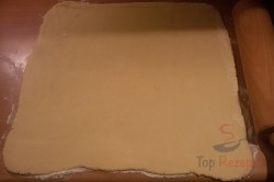Zubereitung des Rezepts Mürbeteig-Nuss-Kuchen mit Eigelb-Glasur, schritt 3